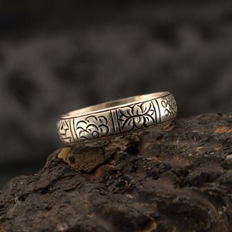 Ashtamangala Nepalese Silver Ring